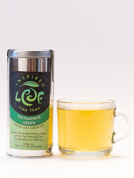 Vietnamese green tea with mug